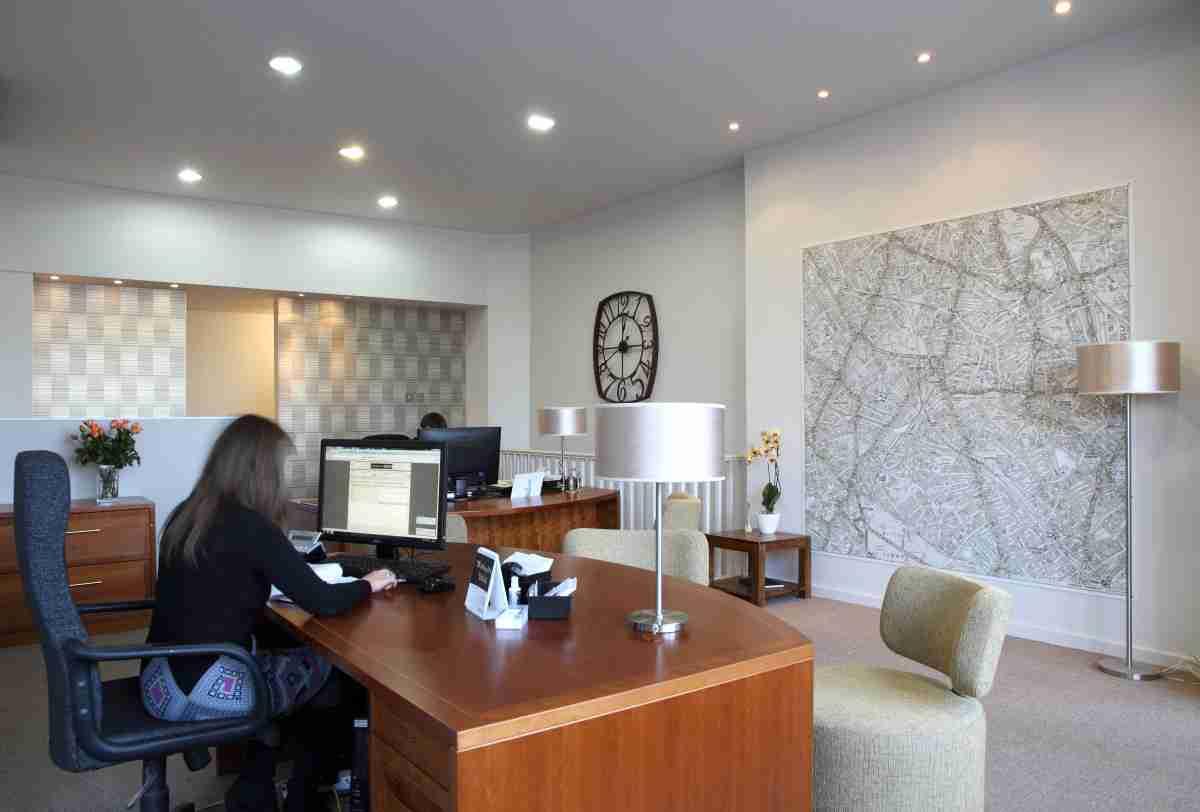 Estate agent interior design project streatham balance for Estate agency interior design