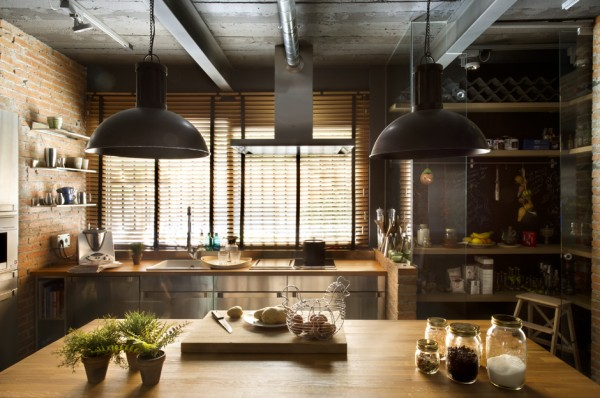 22-Industrial-kitchen-decor-600x398